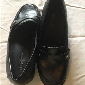 Easy Spirit EUC loafer style 7WW black with trim